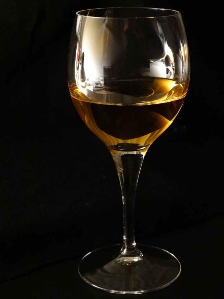 wine-wine-glass-benefit-from-drink-51341.jpeg
